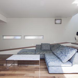 犬と暮らす家 スロープの家・卍11 中庭